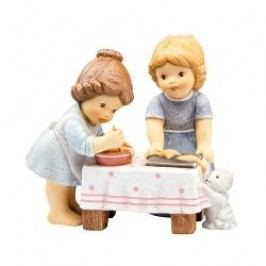 Goebel Nina & Marco - Christmas Bakery Baking Angels 10 cm