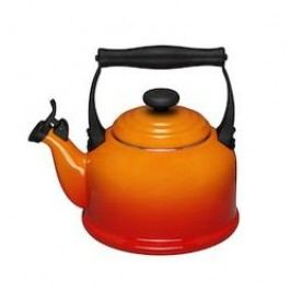 Le Creuset Kettle Kettle / Boiler Tradition with Whistle 2.10 L oven red